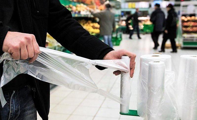 В Казахстане с 2025 года введут запрет на использование пластиковых пакетов